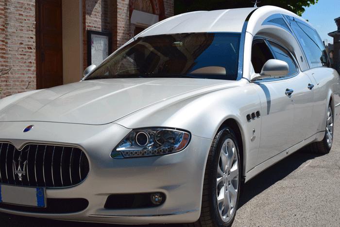 Maserati-Quattroporte-bianca